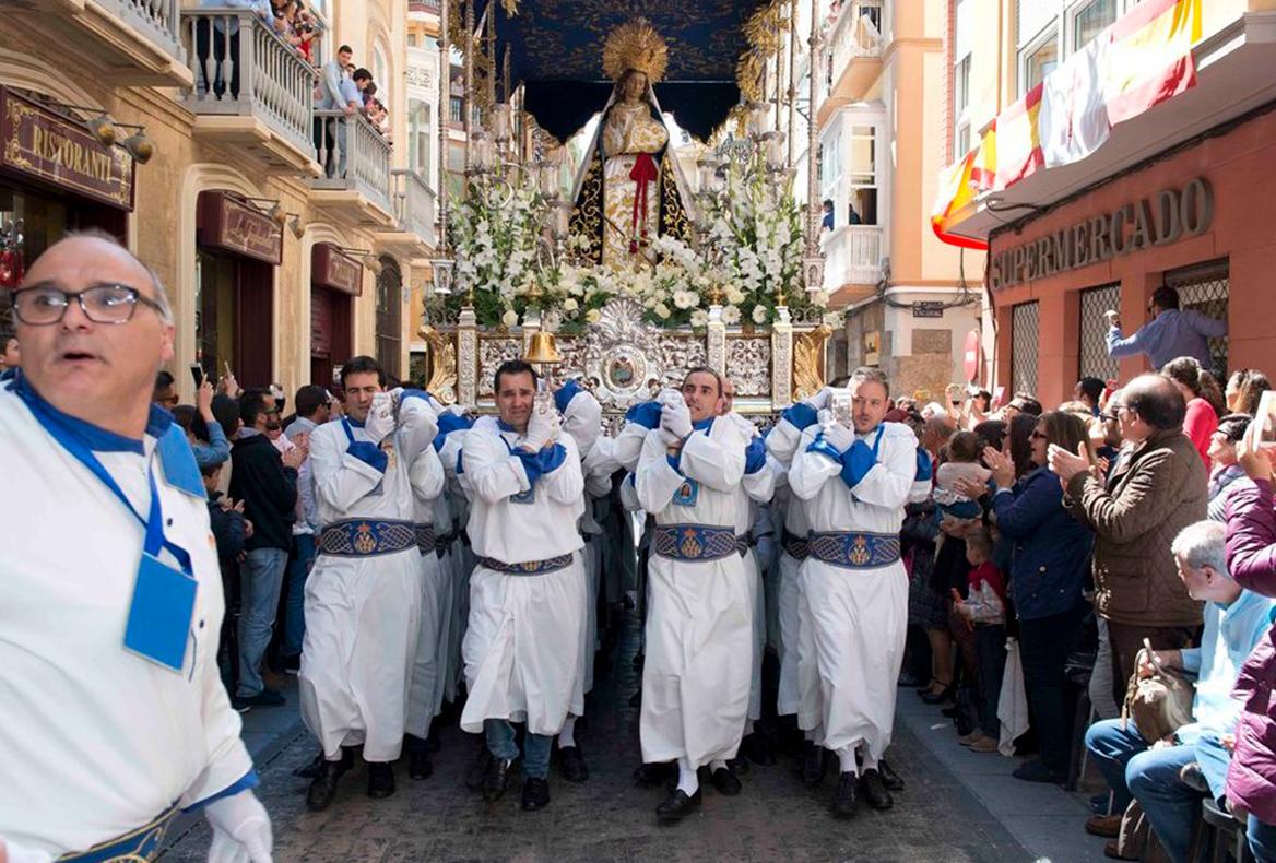 Trono de la Santísima Virgen del Amor Hermoso